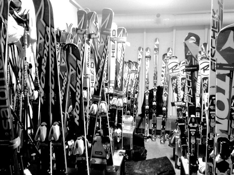 Slalom, Super-träningsvärk, Strömavbrott och Skidfix